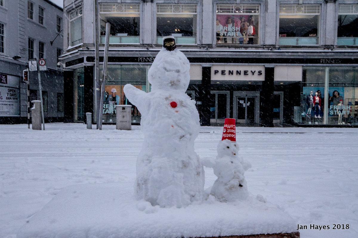 Patrick's Street snowpeople